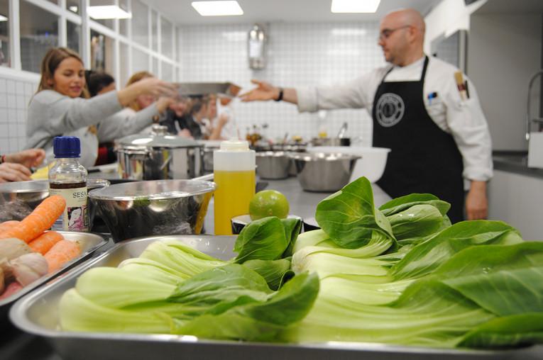 Contacto cocina: curso de cocina a elegir para 1 o 2 personas