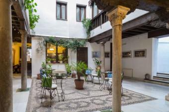 Granada, 2, 3 o 4 días con desayuno en el Hotel Casa del Capitel Nazarí 3* para 2 personas