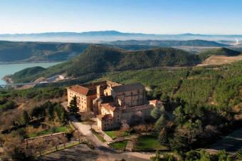 Navarra, 2, 3 o 4 días en Hotel Hospedería de Leyre con visita al Monasterio para 2 personas