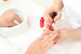 Déjese mimar por Gapssa: 1, 3 o 5 sesiones de manicura y pedicura con una consumición
