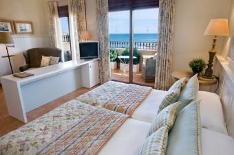 Denia 1, 2, 3, 5 o 7 noches en A/D y habitación doble con vistas al mar en el Hotel Los Ángeles 4*