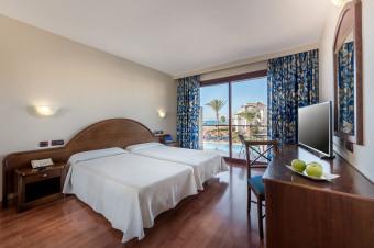 Mijas 1, 2, 3, 5 o 7 noches en habitación doble y M/P en el Vik Gran Hotel Costa del Sol 4*