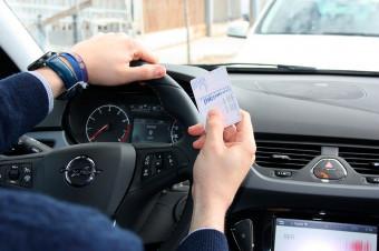 Su carnet de conducir, dentro y fuera de España, siempre al día con Gestoría Pons