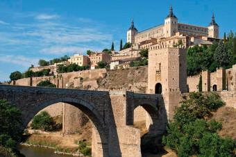 Busvisión: Explore Toledo, la joya de las tres culturas con excursión y almuerzo, en viaje de i/v