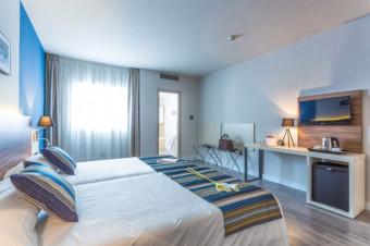 Granada, 1, 2, 3 o 5 noches en el Hotel Urban Dream Granada 4*, alojamiento y desayuno para 2