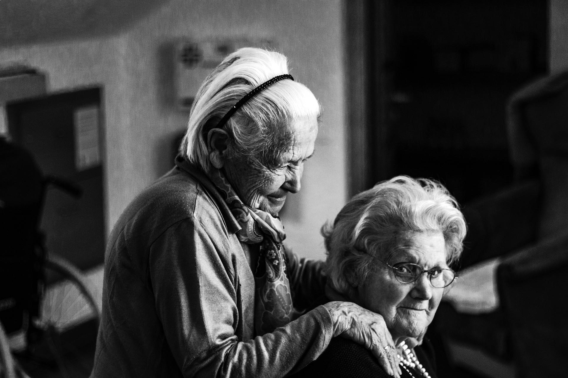Contra el abuso y el maltrato a nuestros mayores